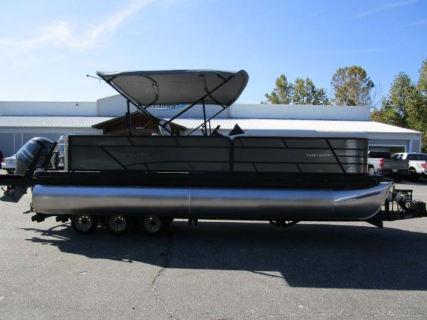 2021 Godfrey Pontoon boat for sale, model of the boat is SW 2286 SFL GTP 27 in. & Image # 3 of 27