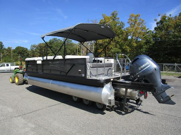 2021 Godfrey Pontoon boat for sale, model of the boat is SW 2286 SFL GTP 27 in. & Image # 9 of 27
