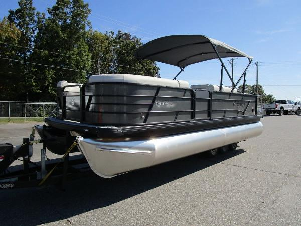 2021 Godfrey Pontoon boat for sale, model of the boat is SW 2286 SFL GTP 27 in. & Image # 12 of 27
