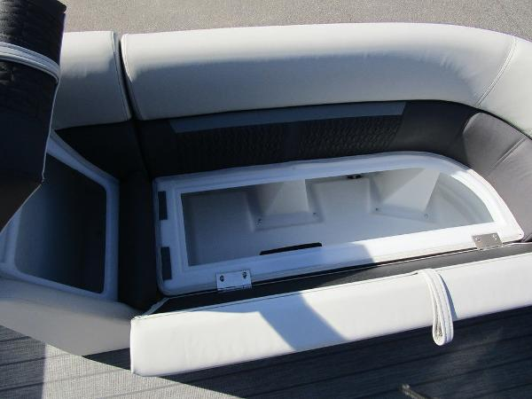 2021 Godfrey Pontoon boat for sale, model of the boat is SW 2286 SFL GTP 27 in. & Image # 14 of 27
