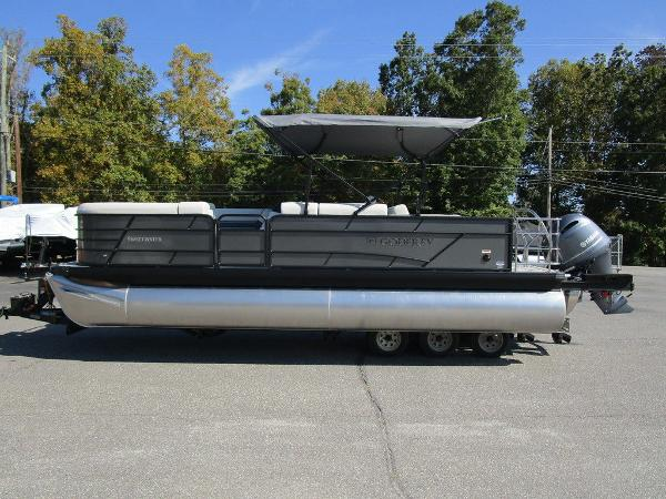 2021 Godfrey Pontoon boat for sale, model of the boat is SW 2286 SFL GTP 27 in. & Image # 16 of 27