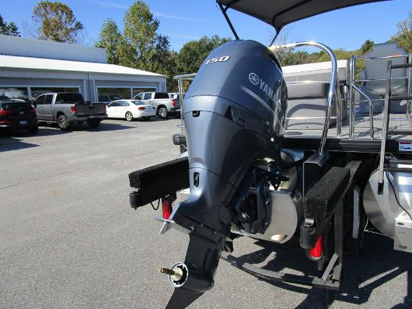 2021 Godfrey Pontoon boat for sale, model of the boat is SW 2286 SFL GTP 27 in. & Image # 20 of 27