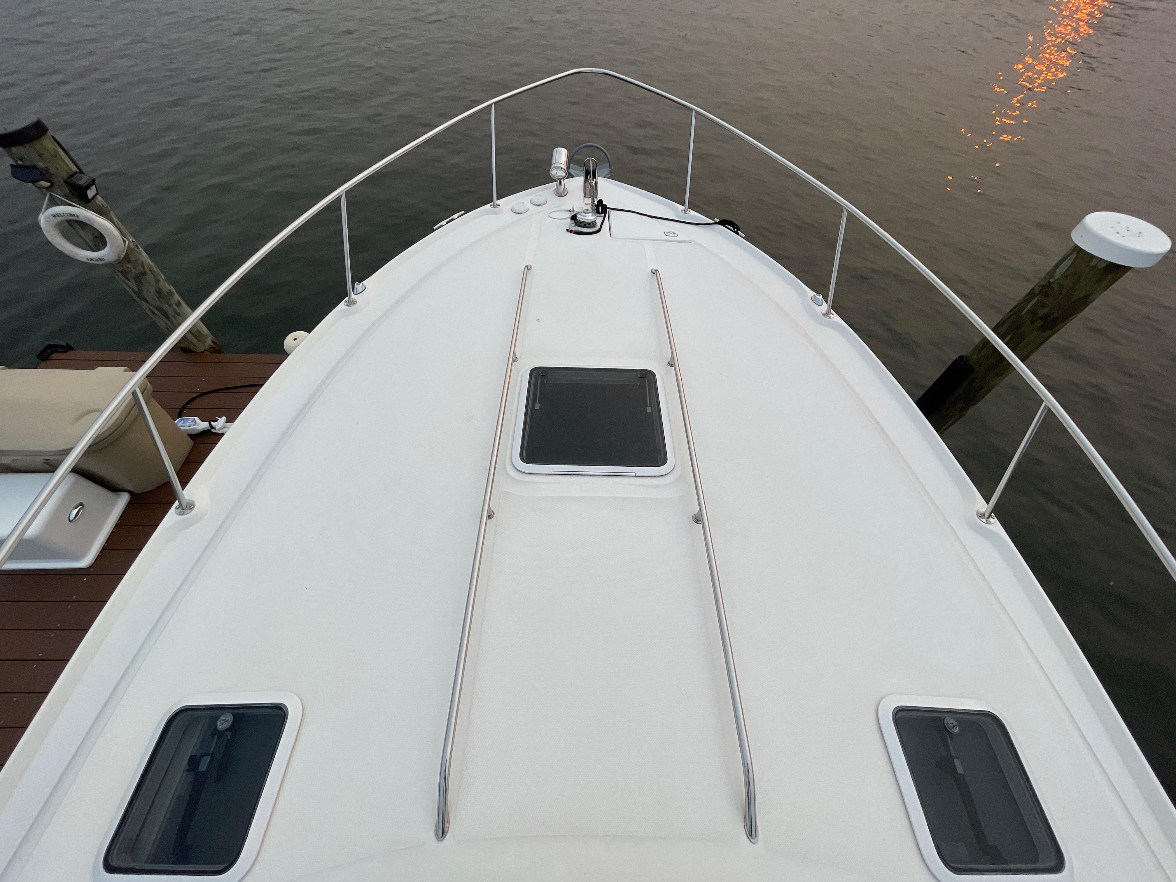 NY 6296 LK Knot 10 Yacht Sales
