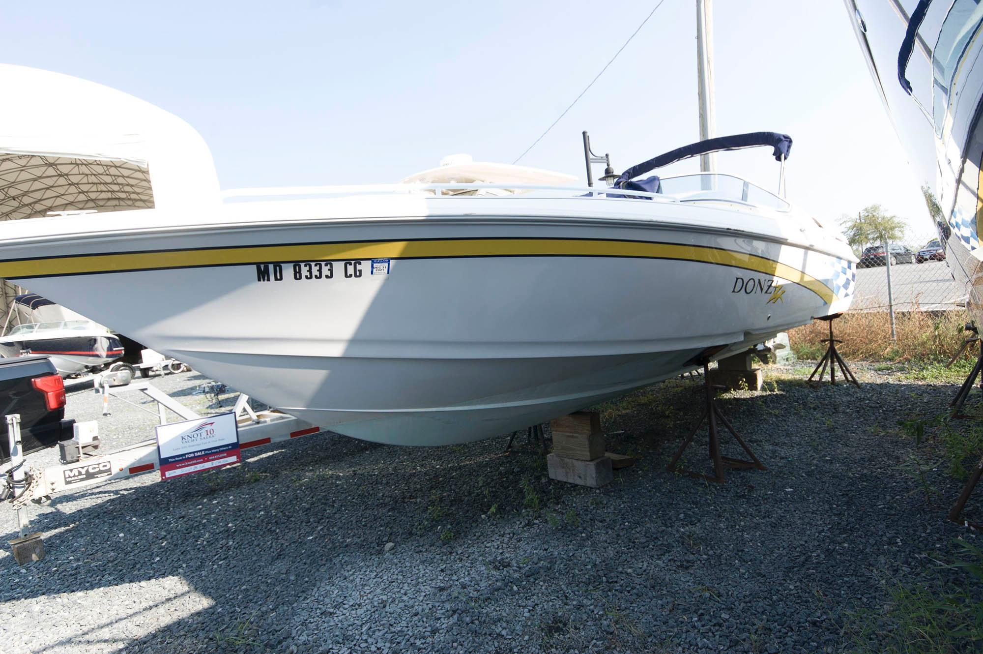 M 5748 JP Knot 10 Yacht Sales