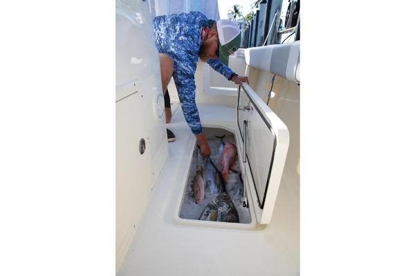 2021 Mako boat for sale, model of the boat is 284 CC & Image # 79 of 82