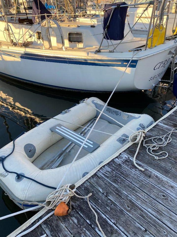 M 6182 CF Knot 10 Yacht Sales