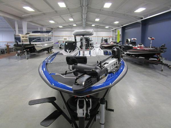 2021 Skeeter boat for sale, model of the boat is ZXR 20 & Image # 4 of 50