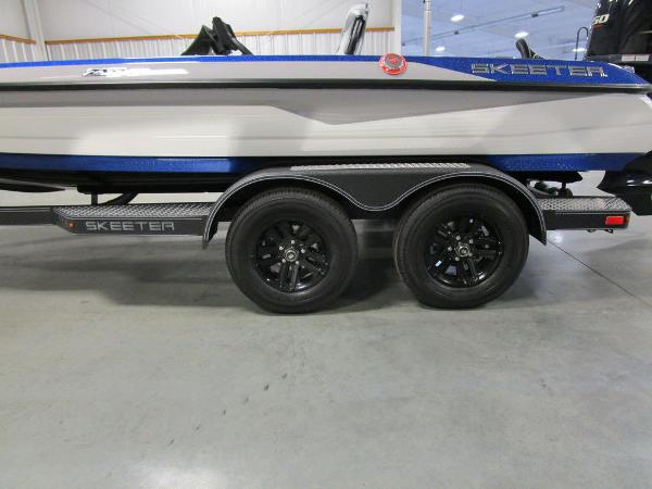 2021 Skeeter boat for sale, model of the boat is ZXR 20 & Image # 7 of 50
