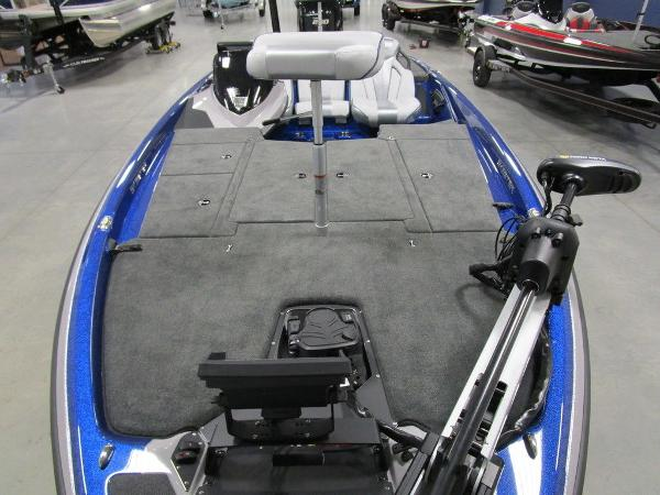 2021 Skeeter boat for sale, model of the boat is ZXR 20 & Image # 10 of 50
