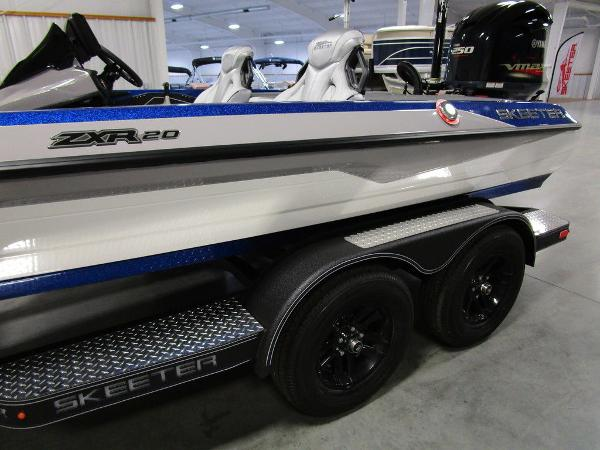 2021 Skeeter boat for sale, model of the boat is ZXR 20 & Image # 16 of 50