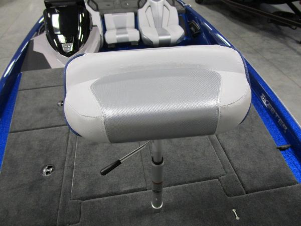 2021 Skeeter boat for sale, model of the boat is ZXR 20 & Image # 23 of 50