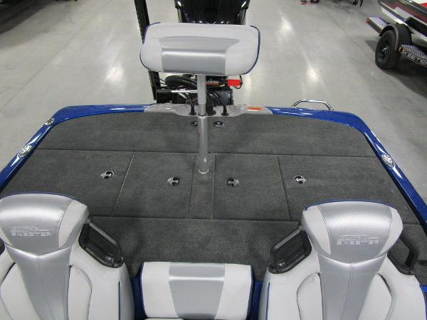 2021 Skeeter boat for sale, model of the boat is ZXR 20 & Image # 41 of 50
