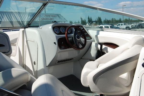 2006 Chaparral boat for sale, model of the boat is 256 SSi & Image # 3 of 12
