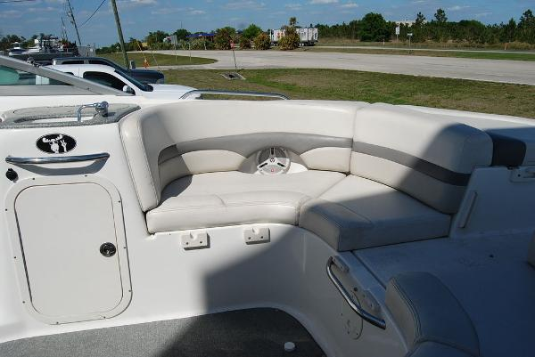 2006 Chaparral boat for sale, model of the boat is 256 SSi & Image # 8 of 12