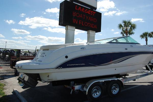 2006 Chaparral boat for sale, model of the boat is 256 SSi & Image # 11 of 12