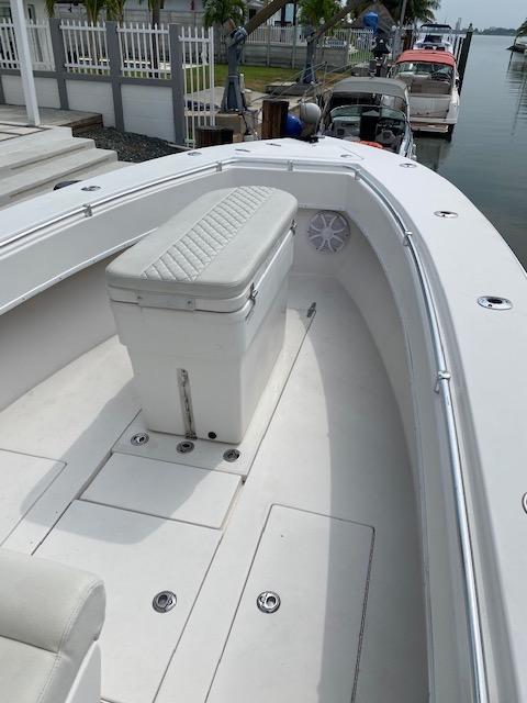 F 6105 CE Knot 10 Yacht Sales