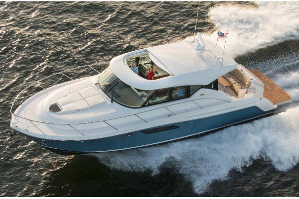 2017 Tiara Yachts C44 Coupe