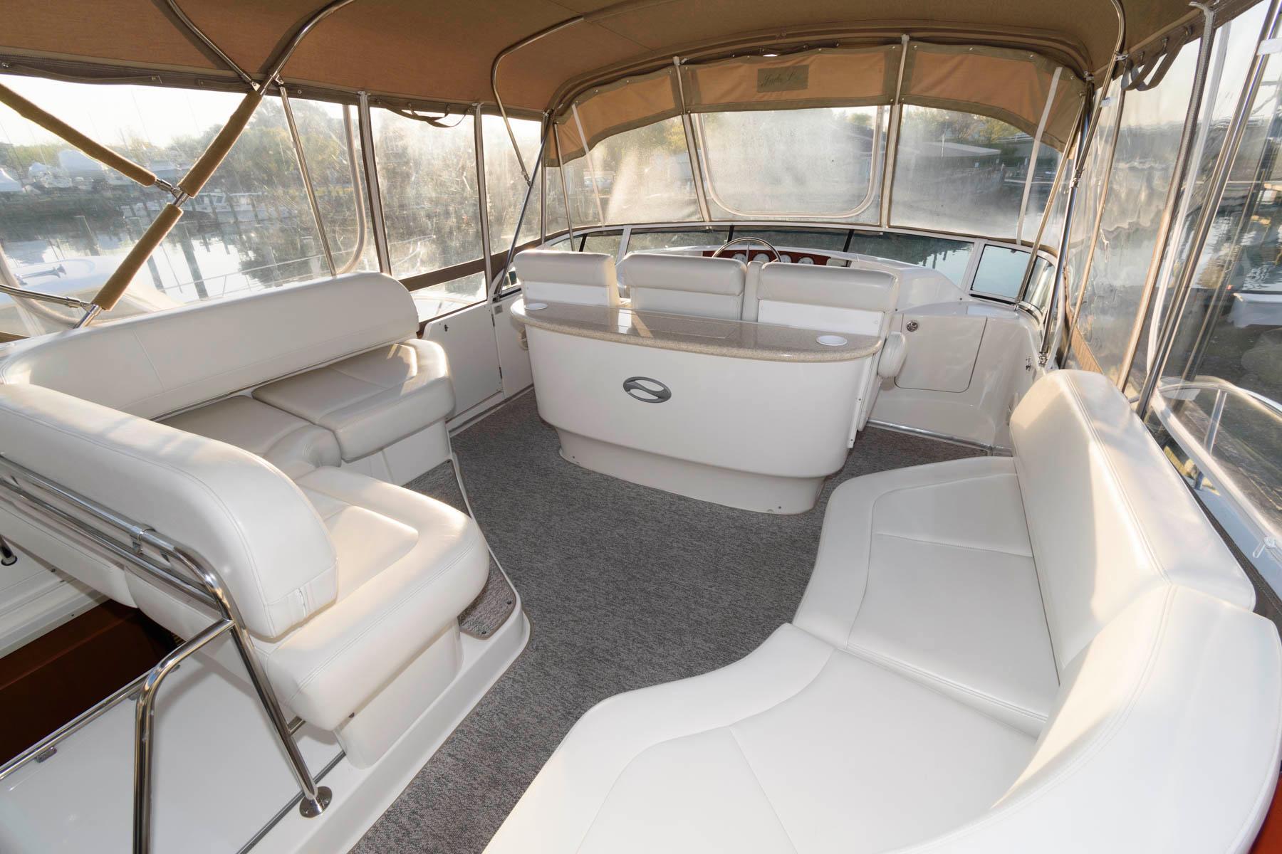 M 6104 JP Knot 10 Yacht Sales