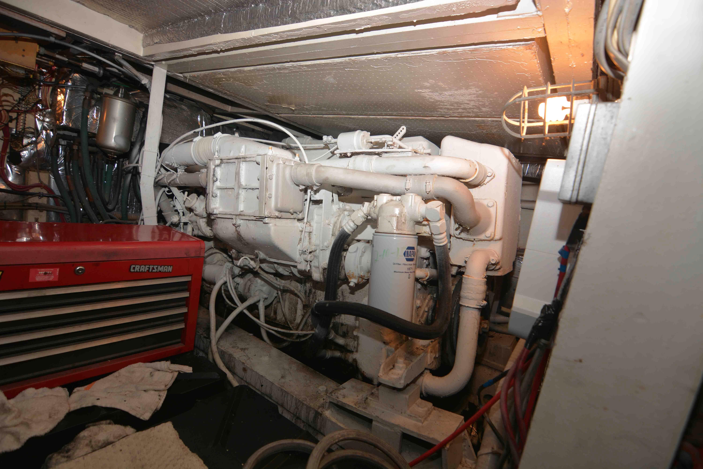 Uniflite 46 Motor Yacht - Photo: #26