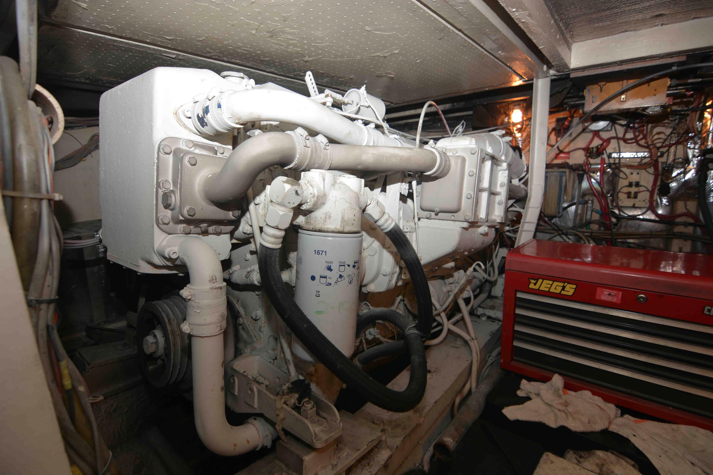 Uniflite 46 Motor Yacht - Photo: #25