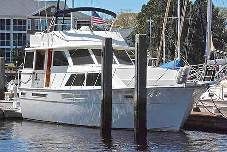 Uniflite 46 Motor Yacht - Photo: #11