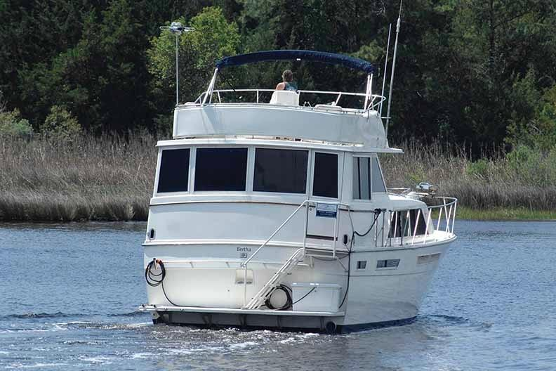 Uniflite 46 Motor Yacht - Photo: #6