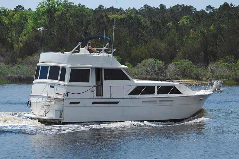 Uniflite 46 Motor Yacht - Photo: #5