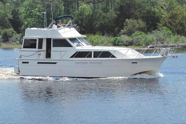 Uniflite 46 Motor Yacht - Photo: #2