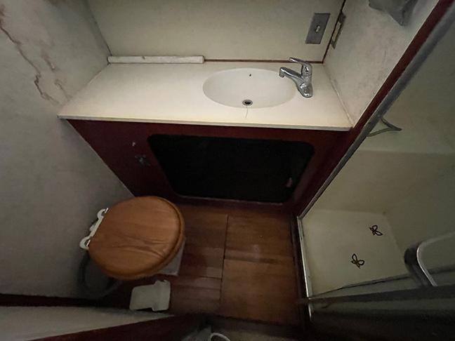 Uniflite 46 Motor Yacht - Photo: #41