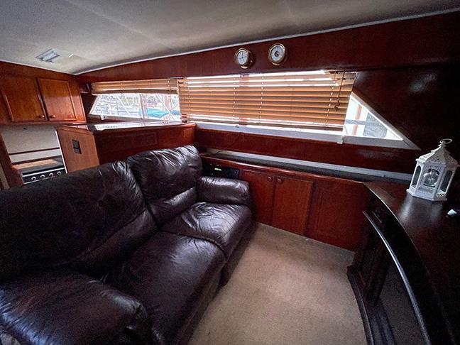 Uniflite 46 Motor Yacht - Photo: #53