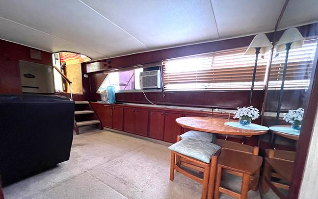 Uniflite 46 Motor Yacht - Photo: #55