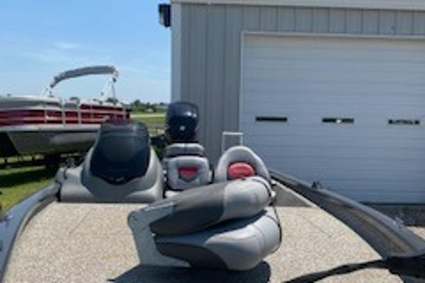 2015 Tracker Boats boat for sale, model of the boat is Pro Team 190 TX & Image # 6 of 12