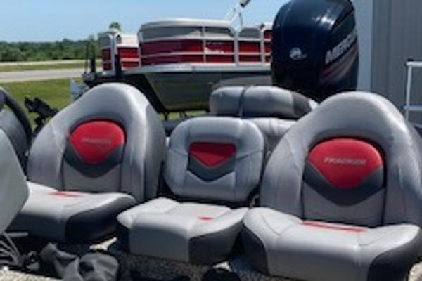2015 Tracker Boats boat for sale, model of the boat is Pro Team 190 TX & Image # 11 of 12