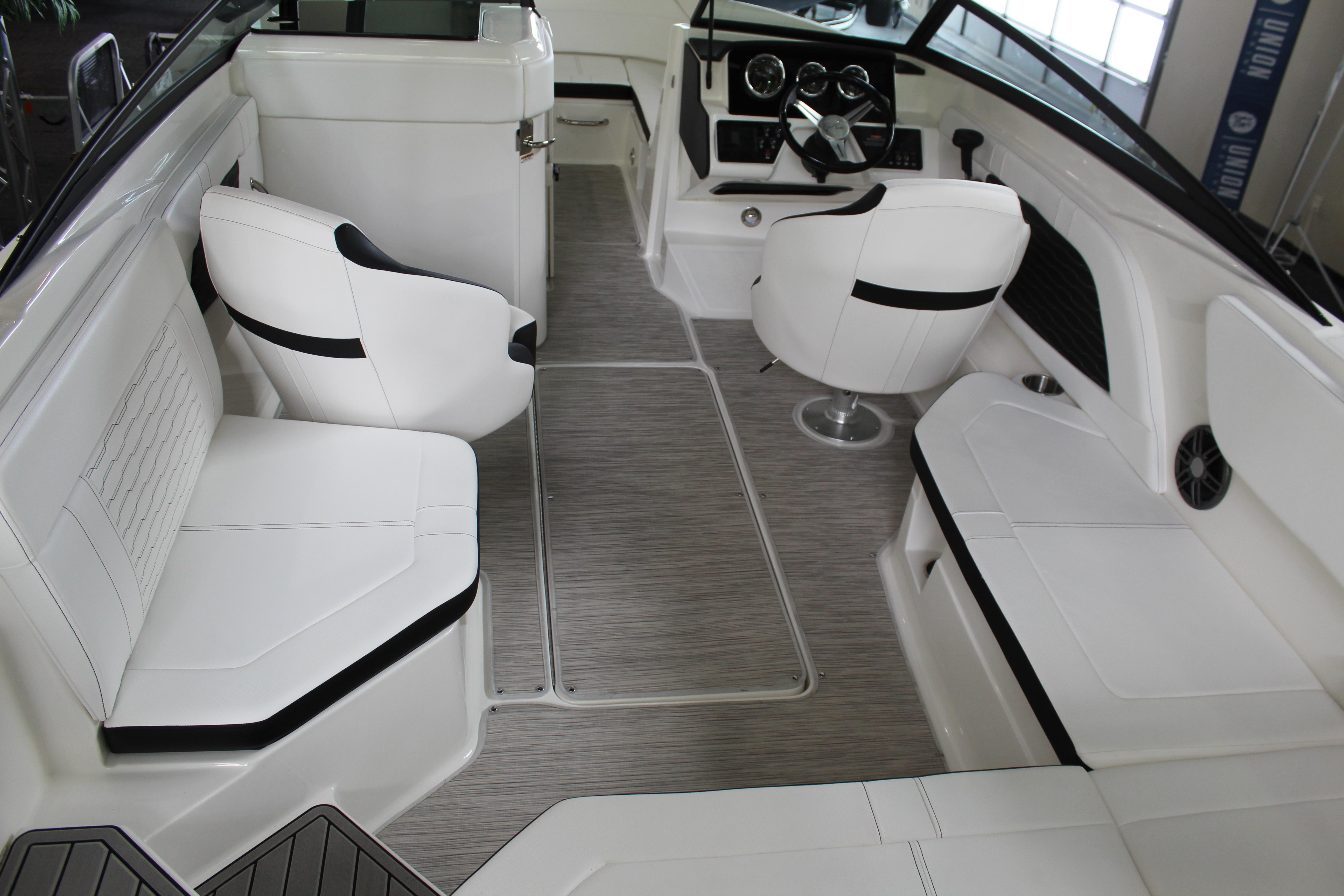 2022 Sea Ray SPX 230