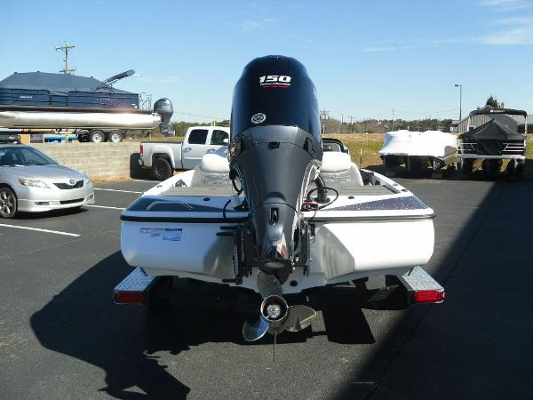 2021 Skeeter boat for sale, model of the boat is ZX150 & Image # 3 of 30