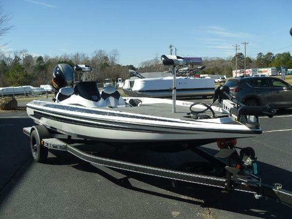 2021 Skeeter boat for sale, model of the boat is ZX150 & Image # 5 of 30