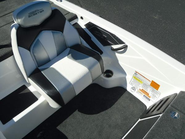 2021 Skeeter boat for sale, model of the boat is ZX150 & Image # 7 of 30
