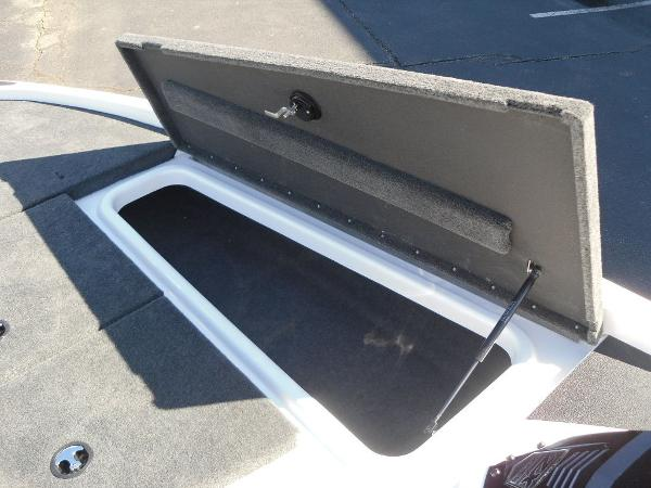 2021 Skeeter boat for sale, model of the boat is ZX150 & Image # 9 of 30