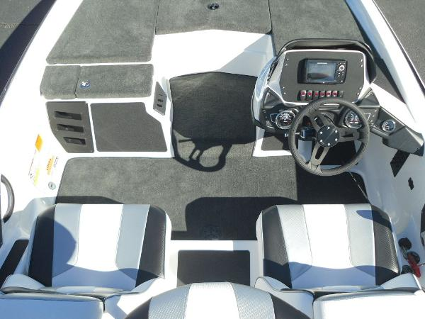 2021 Skeeter boat for sale, model of the boat is ZX150 & Image # 14 of 30