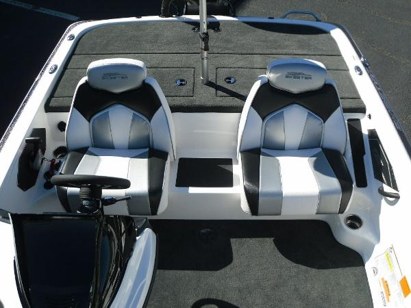 2021 Skeeter boat for sale, model of the boat is ZX150 & Image # 16 of 30