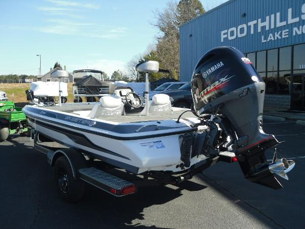 2021 Skeeter boat for sale, model of the boat is ZX150 & Image # 17 of 30