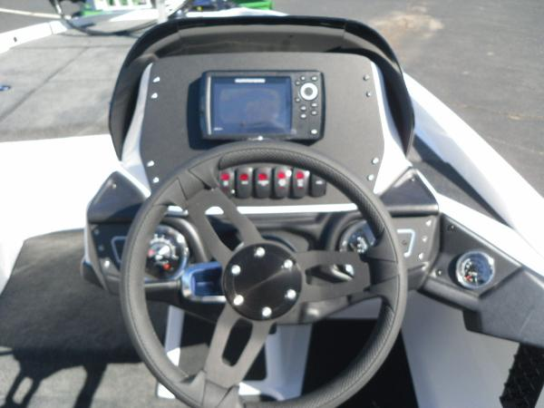 2021 Skeeter boat for sale, model of the boat is ZX150 & Image # 24 of 30