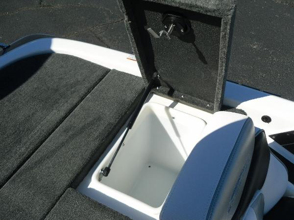 2021 Skeeter boat for sale, model of the boat is ZX150 & Image # 27 of 30