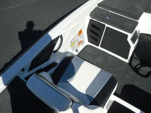 2021 Skeeter boat for sale, model of the boat is ZX150 & Image # 29 of 30