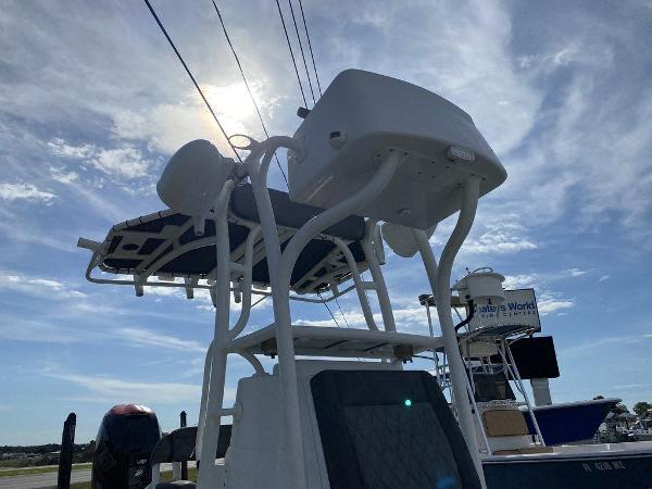 2018 Yellowfin boat for sale, model of the boat is 24 Bay & Image # 2 of 11