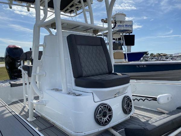 2018 Yellowfin boat for sale, model of the boat is 24 Bay & Image # 3 of 11