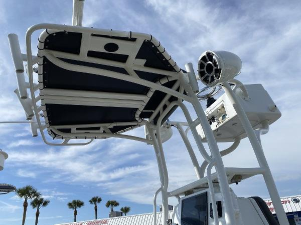 2018 Yellowfin boat for sale, model of the boat is 24 Bay & Image # 8 of 11