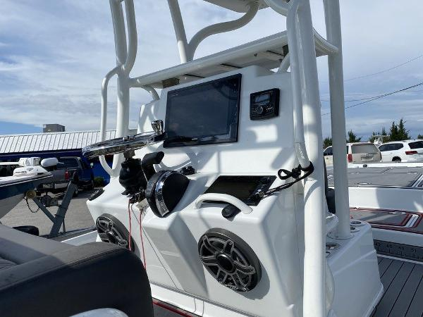 2018 Yellowfin boat for sale, model of the boat is 24 Bay & Image # 10 of 11