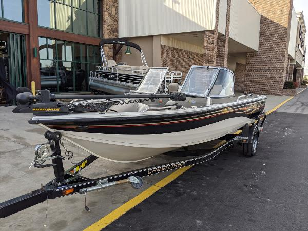 2006 Crestliner boat for sale, model of the boat is 1850 Fish Hawk & Image # 2 of 7