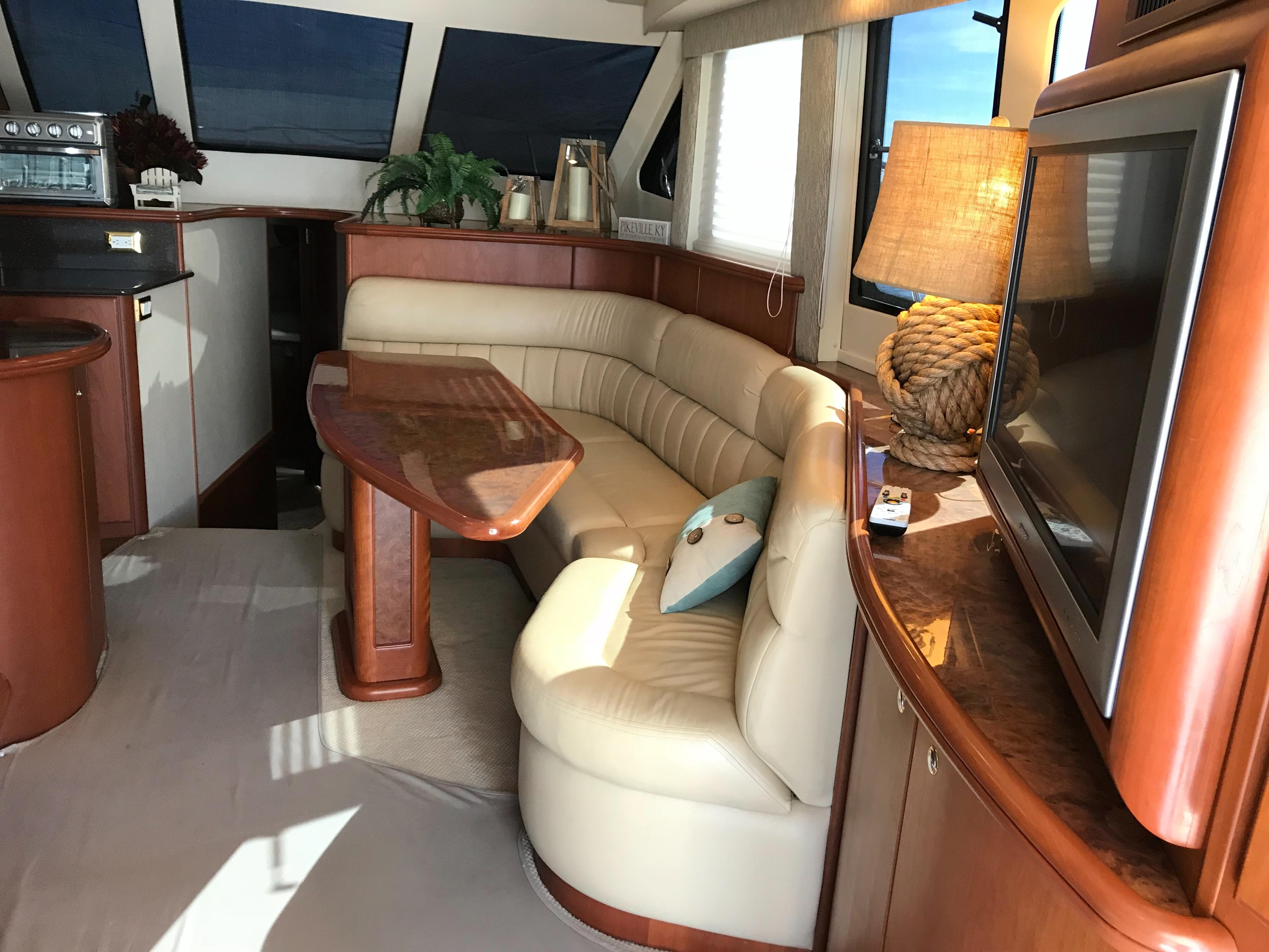 Silverton 48 Convertible - Dinette/Settee to Starboard